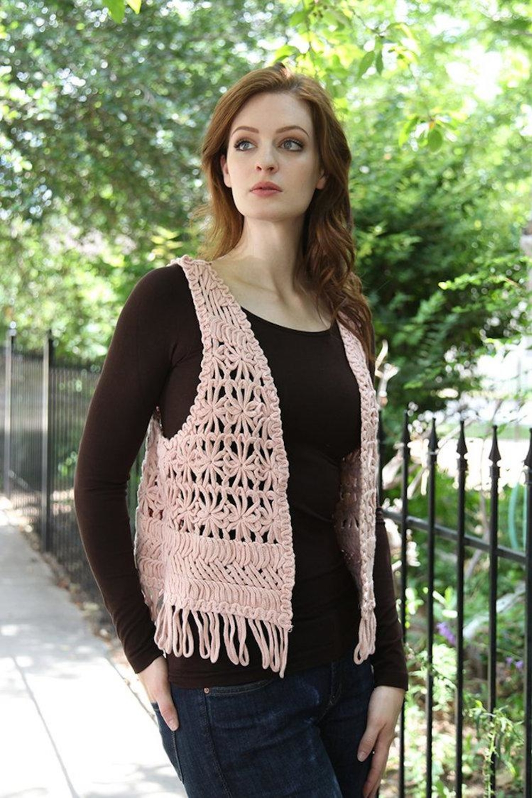 Molly Bracken Chunky Crochet Vest - Side Cropped Image