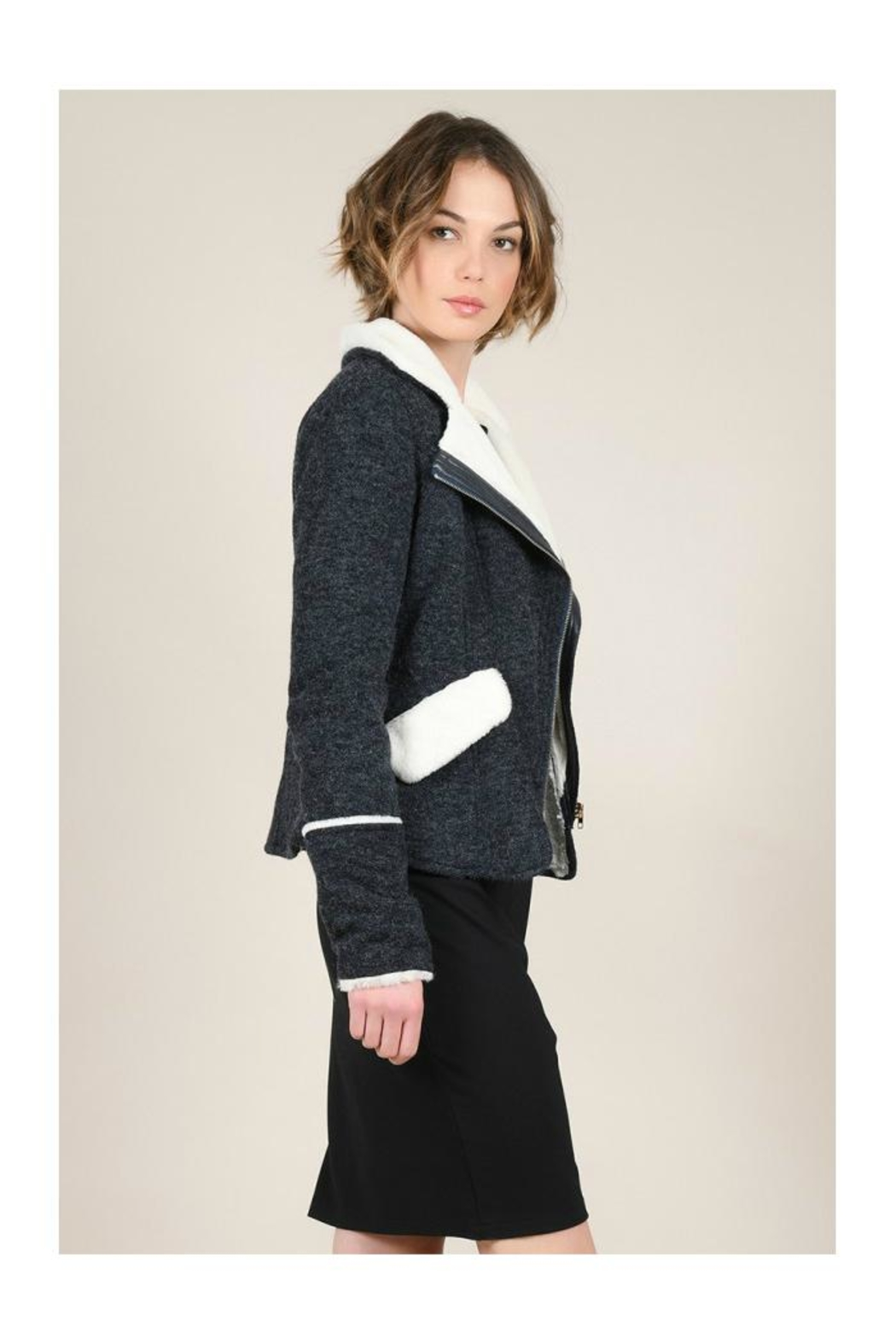 Molly Bracken Knitted Cozy Jacket - Side Cropped Image