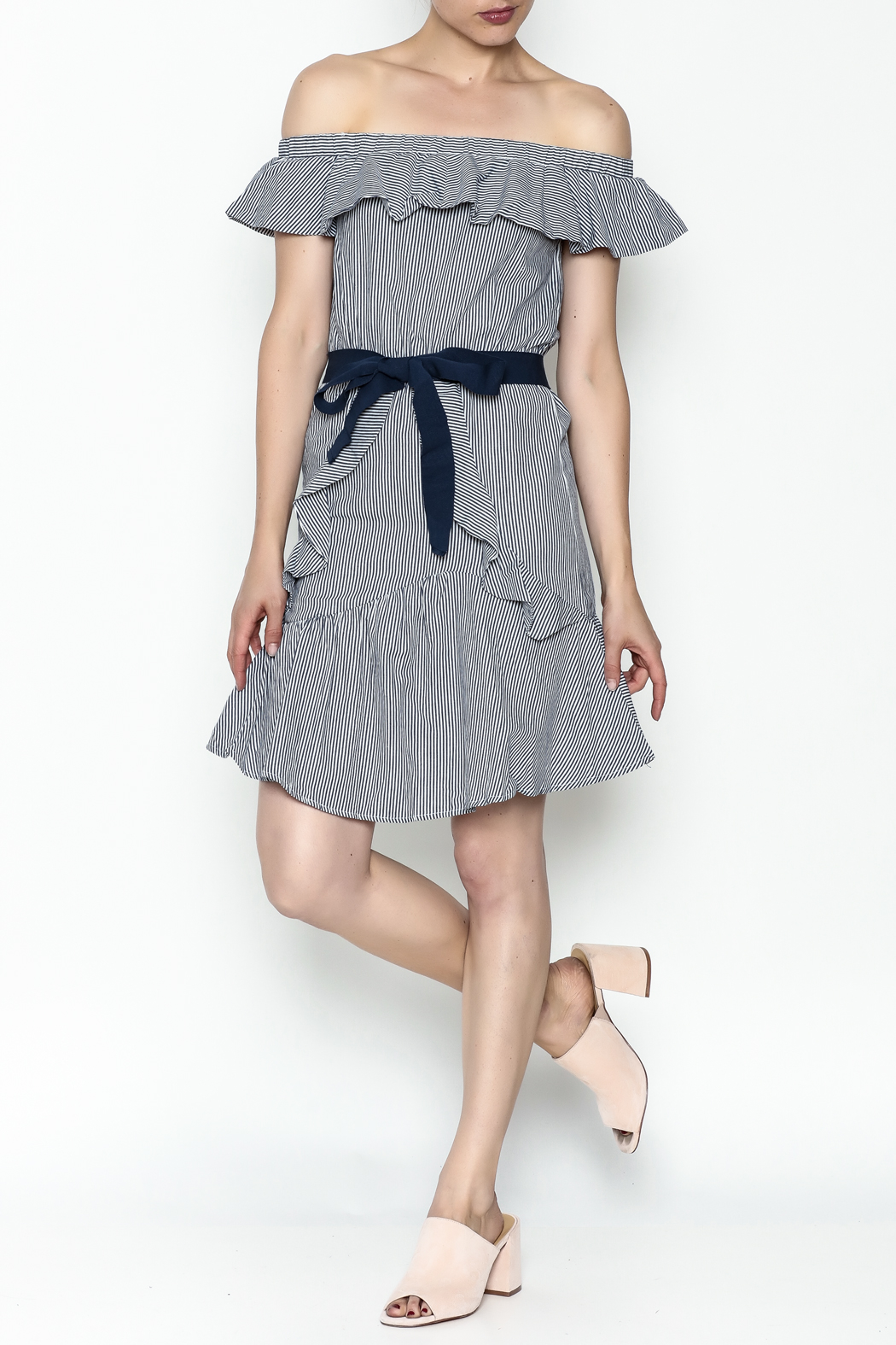 MOMNI BOUTIQUE Best Vacation Dress - Side Cropped Image