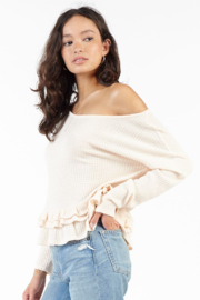 Sadie & Sage MONITE RUFFLE HEM TOP - Front full body