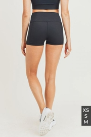 Mono B Ribbed Active Short - Side cropped
