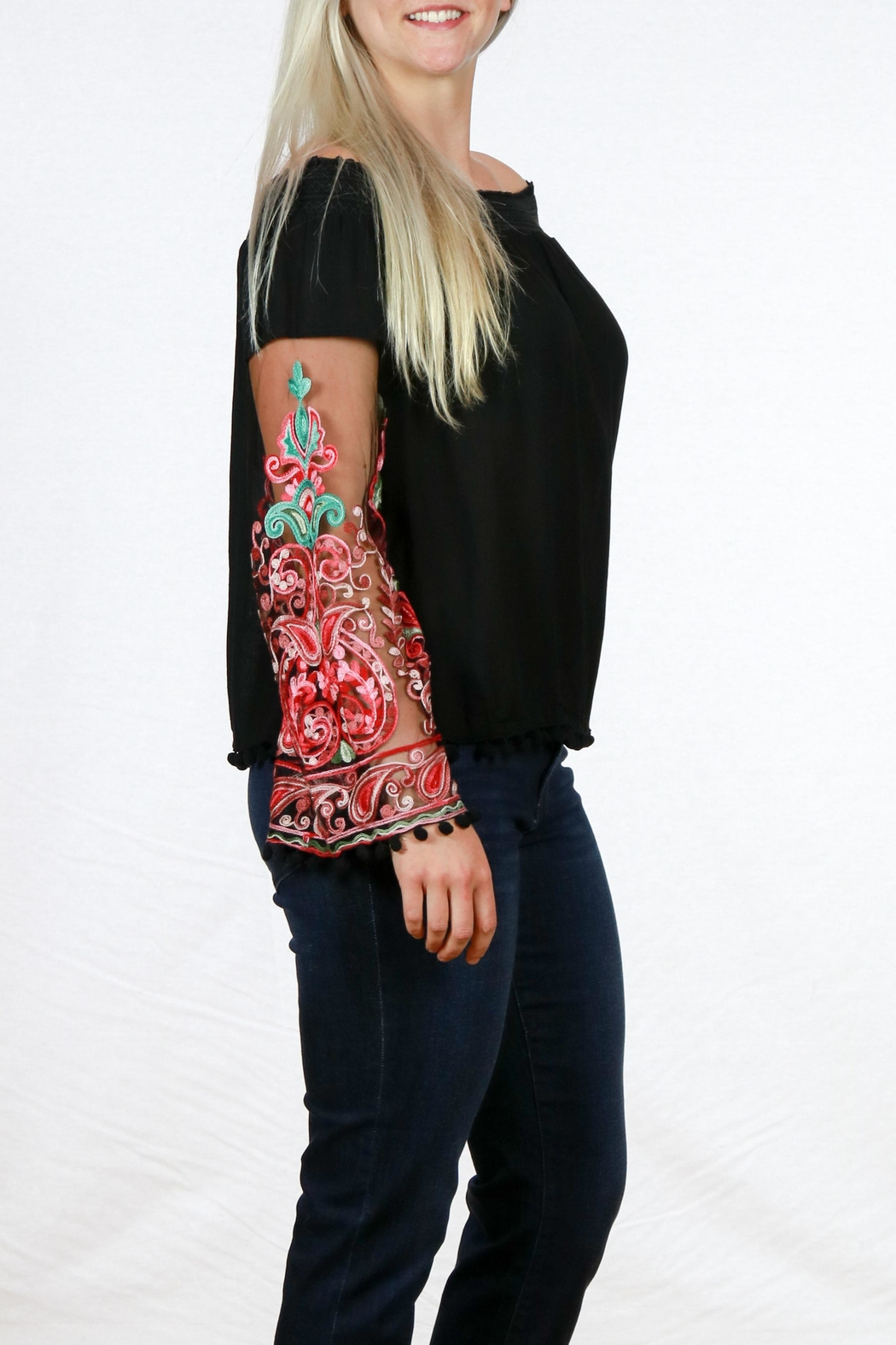 Mono Reno Embroidered Sleeve Top - Front Full Image