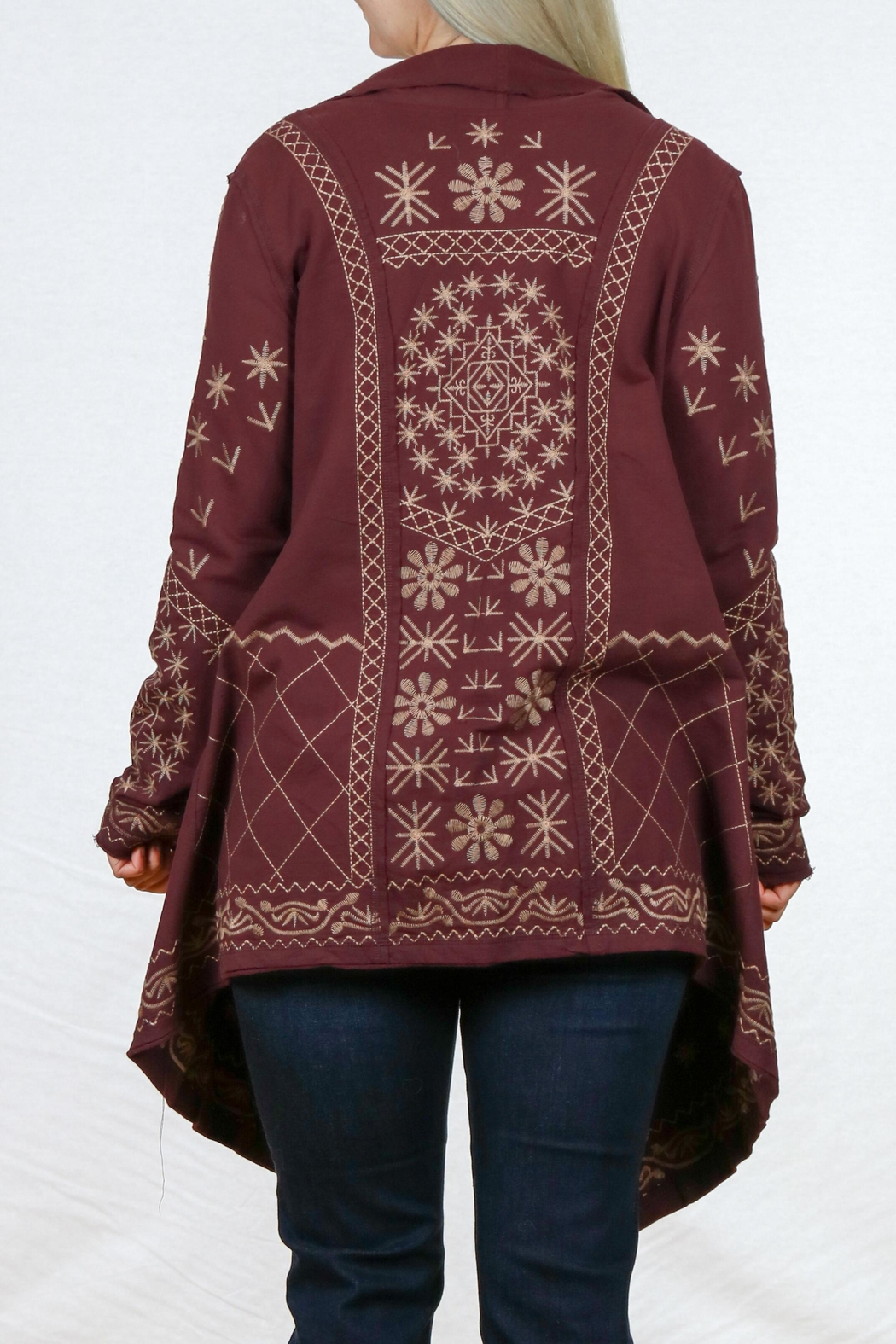 Monoreno Asymmetrical Embroidered Cardigan - Side Cropped Image