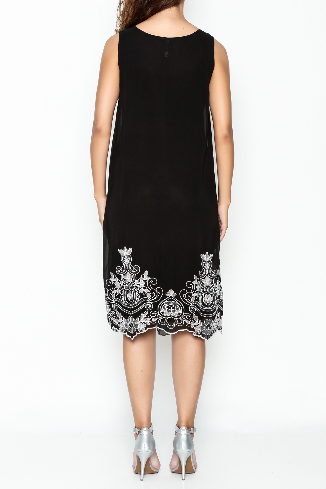 Monoreno Black Sequin Floral Dress - Back Cropped Image