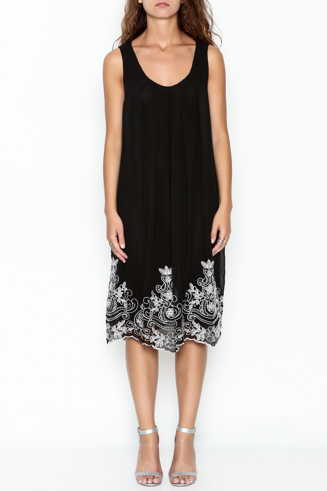 Monoreno Black Sequin Floral Dress - Front Full Image