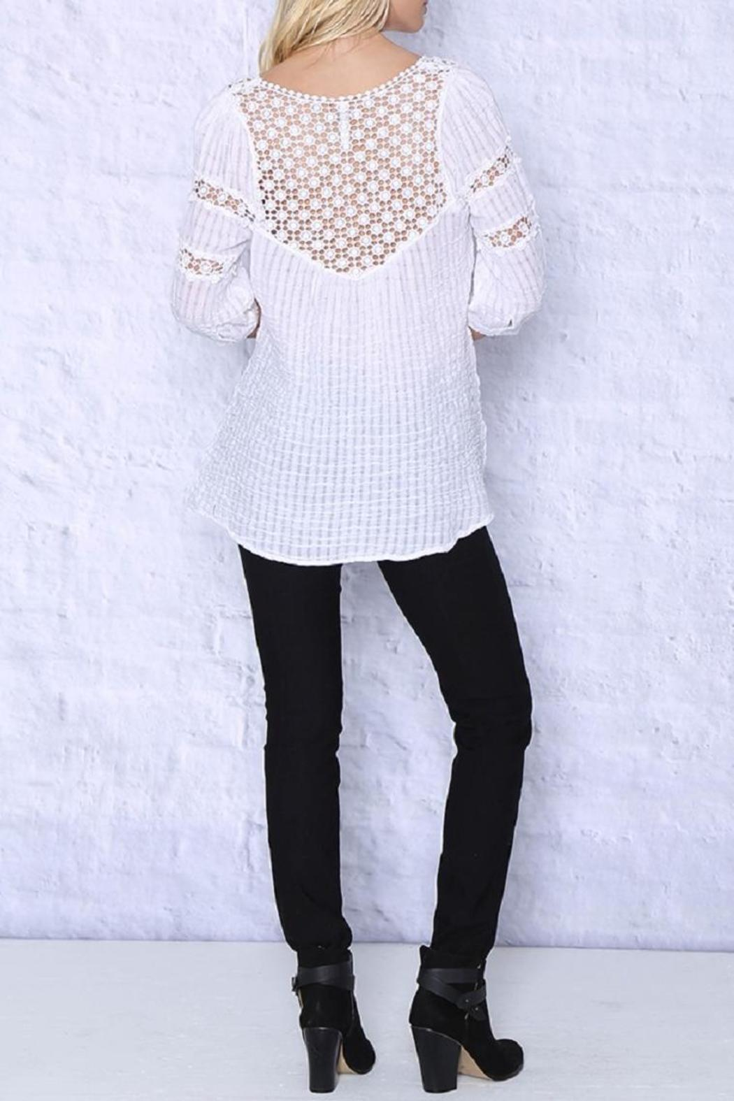 Monoreno Woven Tunic Top - Front Full Image