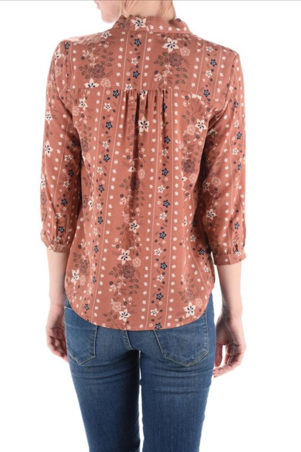 Monteau Floral Top - Back Cropped Image