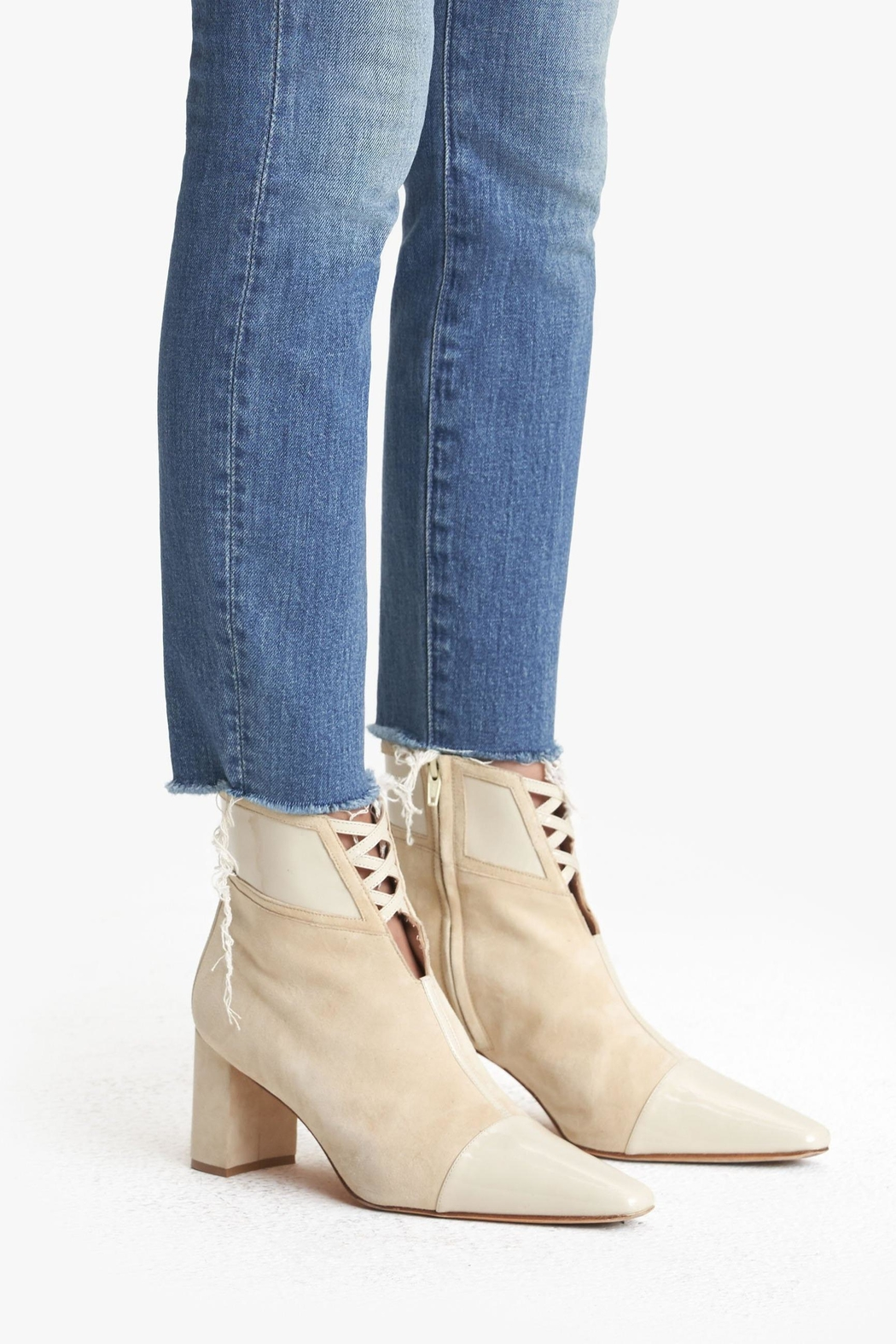 Mother High-Waisted Looker Ankle-Fray - Back Cropped Image