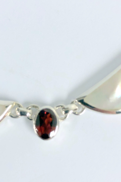 ACleoni Mother of Pearl w Garnet stones Neck - Alternate List Image