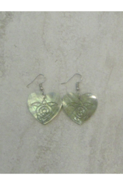 Bamboo Source MOTHER OF PEARL WITH TURTLE HEART-SHAPED - Product Mini Image