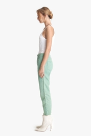 Mother Shaker Crop Hedge Green - Front full body