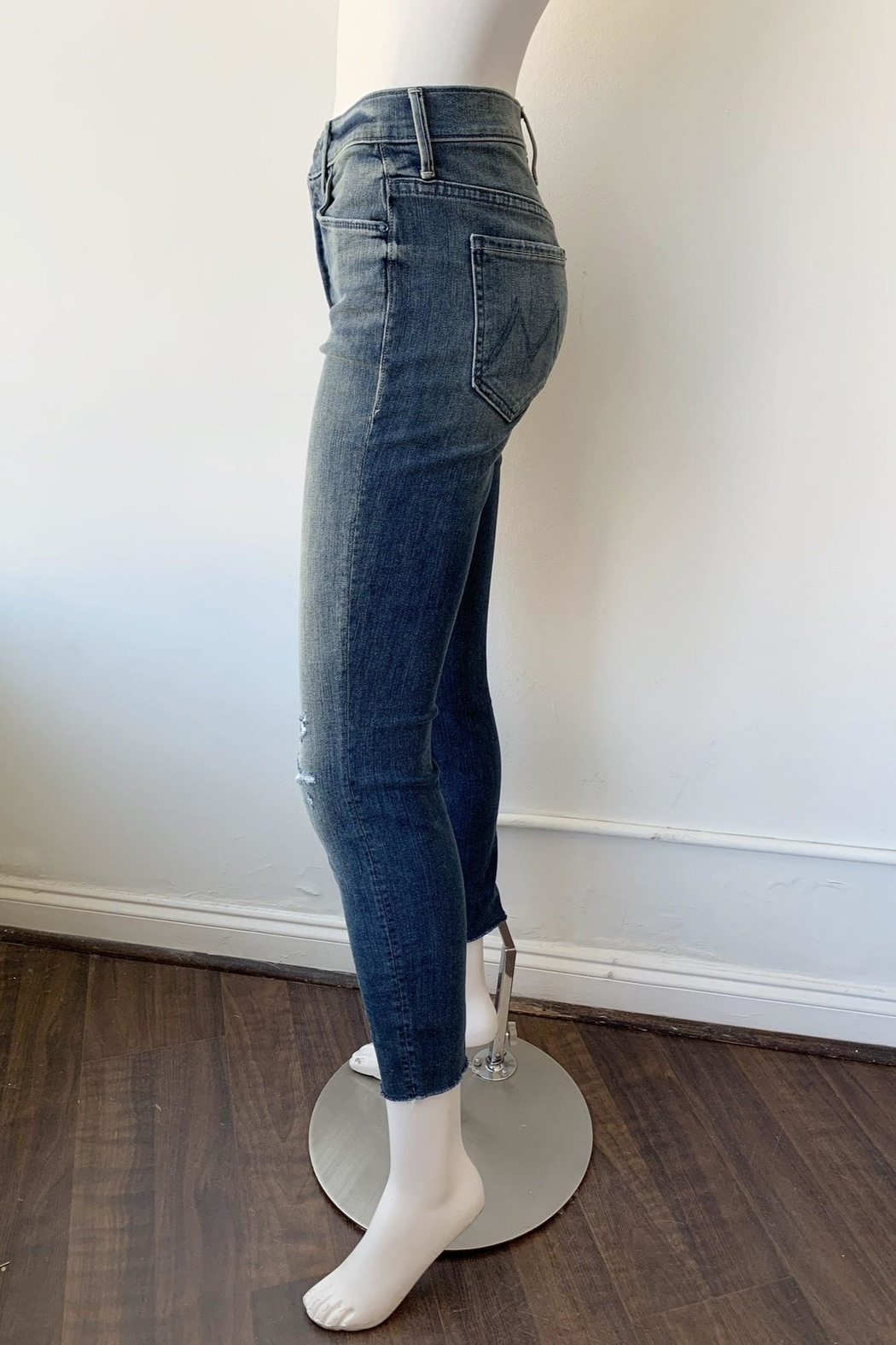 Mother Stunner Fray Jeans - Side Cropped Image
