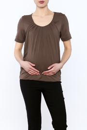 Mothers en Vogue Brown Pleated Short Top - Product Mini Image