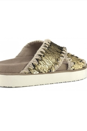 MOU  Criss Cross Bio Sandal Plain Gold - Side cropped