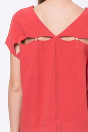 Movint Back-Hole Detail Top - Other