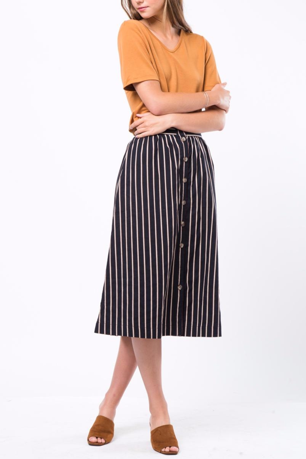 Movint Button-Front-Striped Long-Skirt With-Pocket - Back Cropped Image