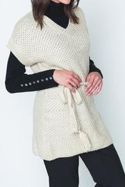 Movint Cayo Poncho - Front cropped