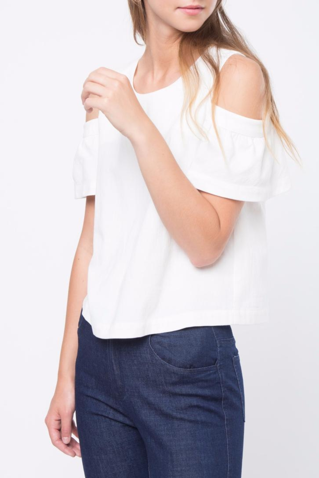 Movint Cold Shoulder Top - Side Cropped Image