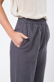 Movint Cropped Pants with Elastic Waist - Back cropped