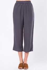 Movint Cropped Pants with Elastic Waist - Front cropped