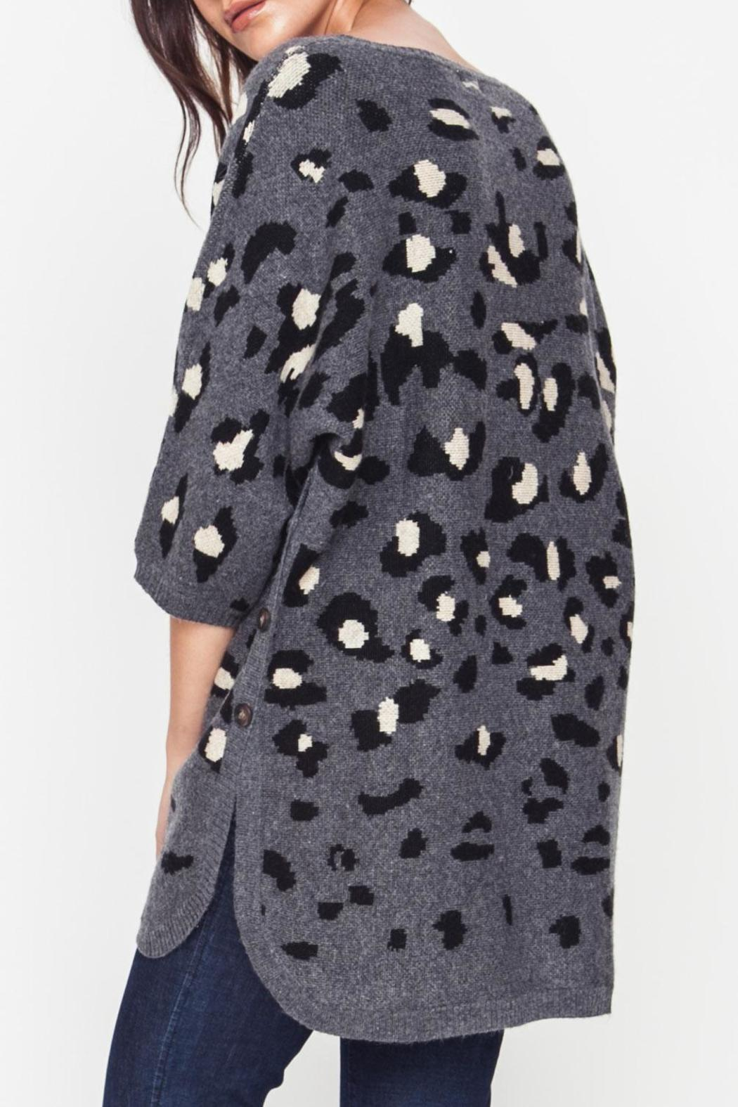 Movint Leopard Sweater - Side Cropped Image
