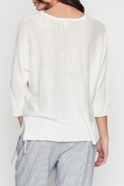 Movint Basic White Top - Side cropped