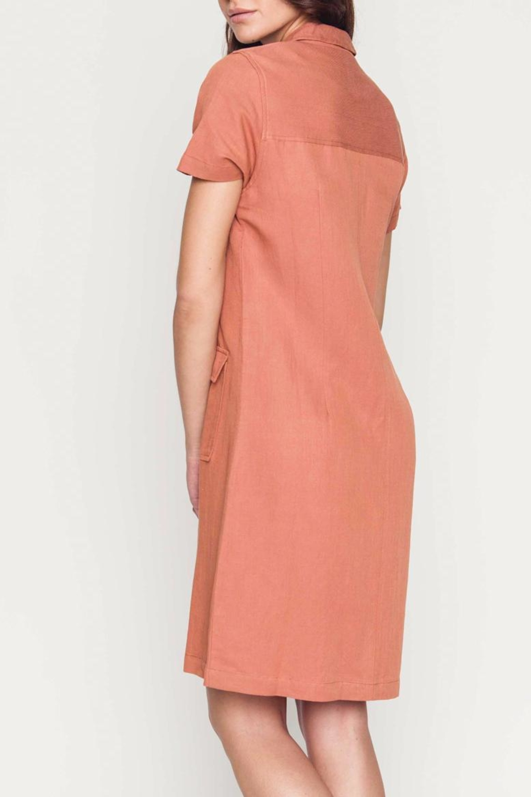 Movint Linen Cargo Dress - Side Cropped Image