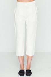 Movint Linen-Cropped-Pants With Waist-Tie-Detail - Product Mini Image