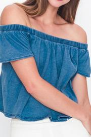 Movint Off-Shoulder Denim T-Shirt - Back cropped