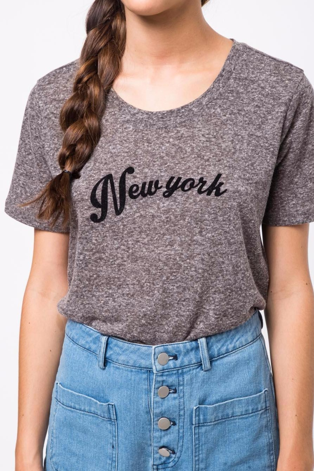 Movint New York Printed T-Shirt - Back Cropped Image