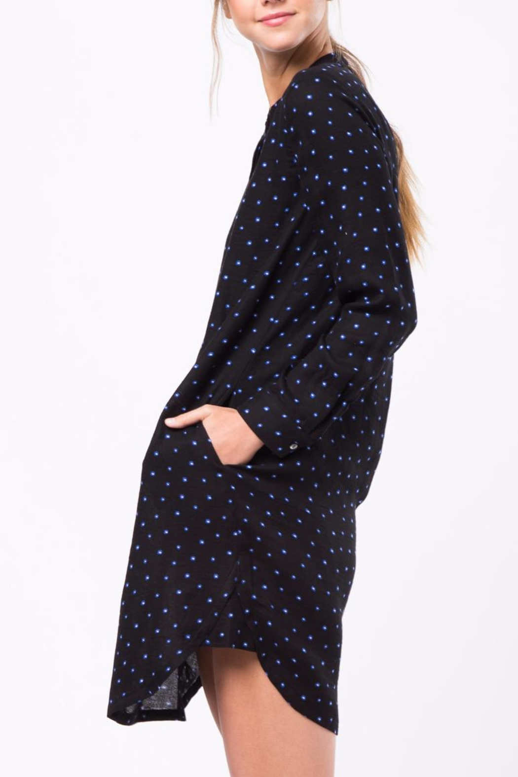 Movint Shirt Dress With Pocket Detail - Side Cropped Image