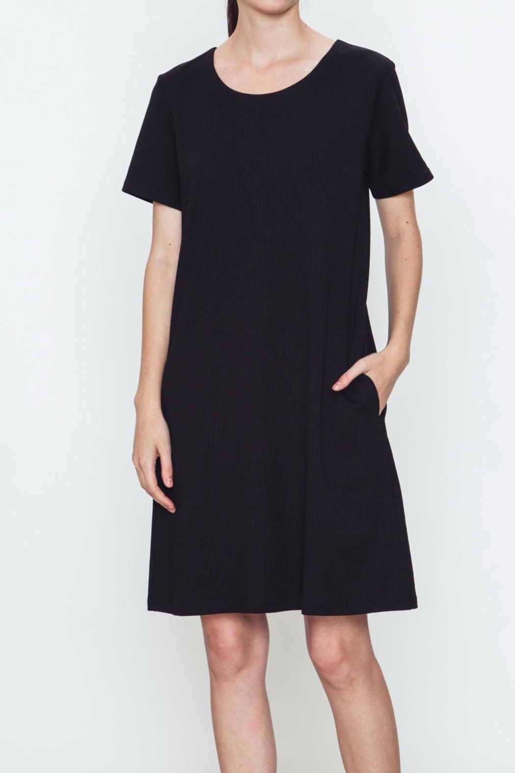 Movint Simple Black Dress - Front Cropped Image