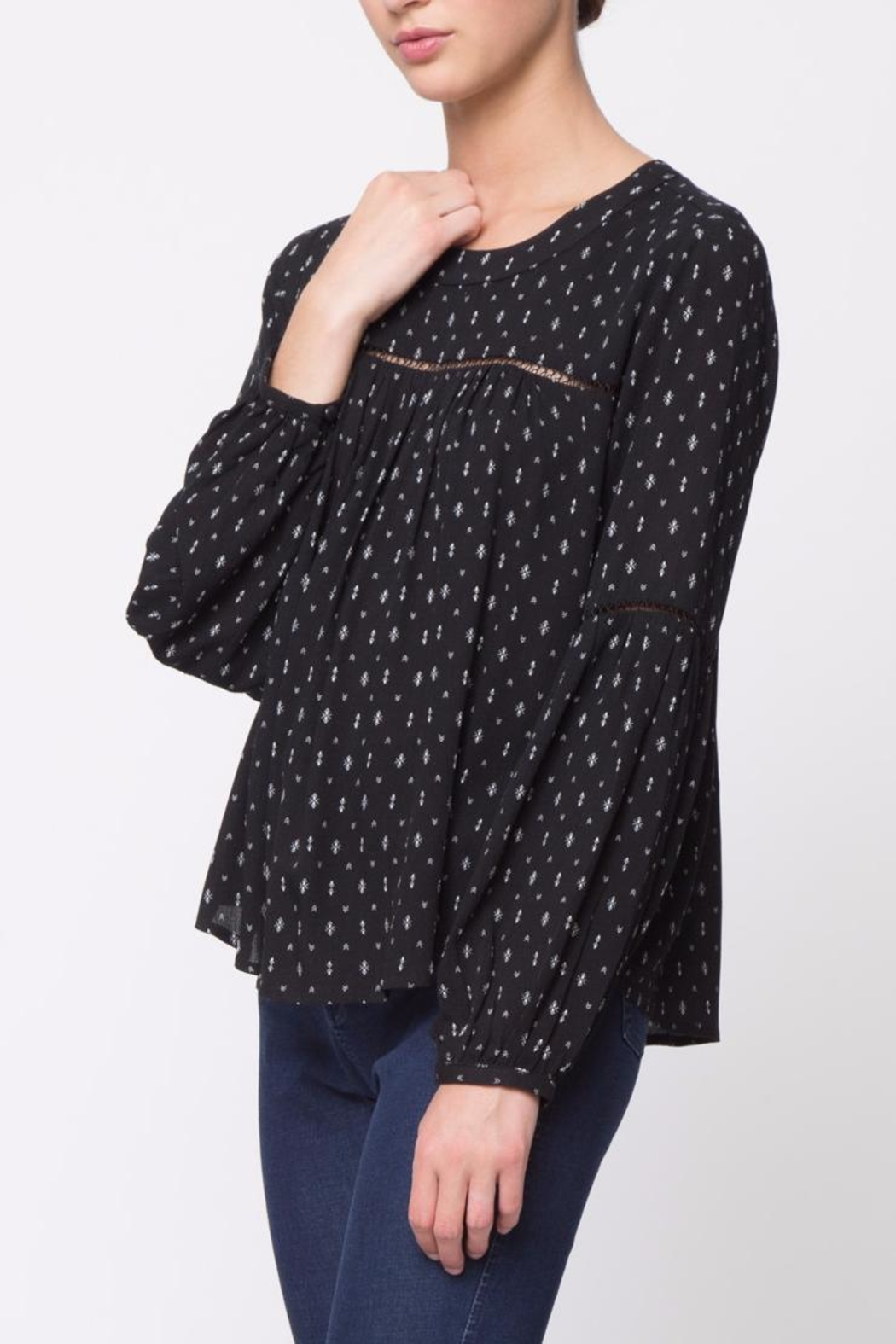 Movint Shirring Round Neck Top - Side Cropped Image