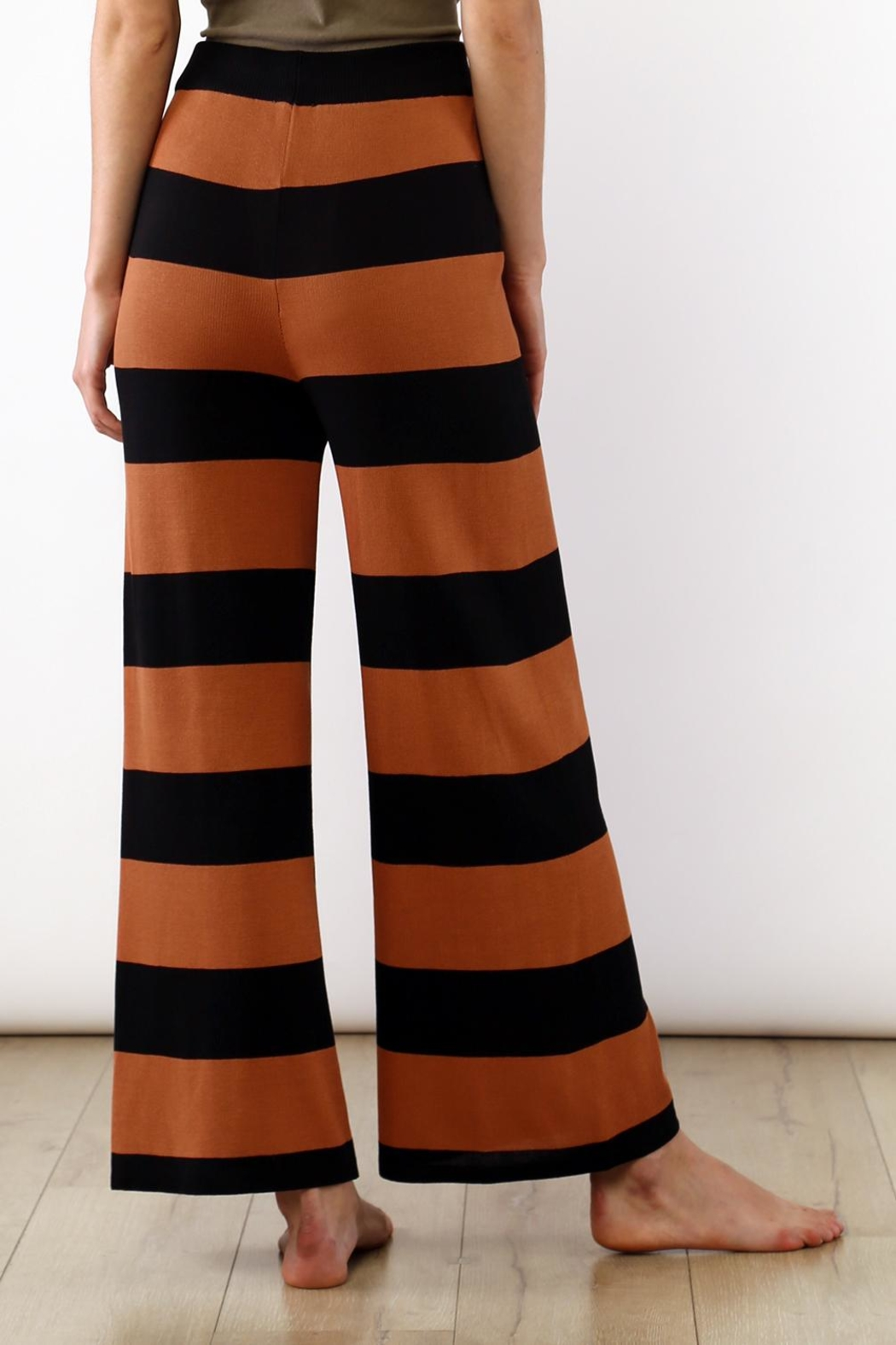 Movint Striped Wide Leg Pants - Side Cropped Image