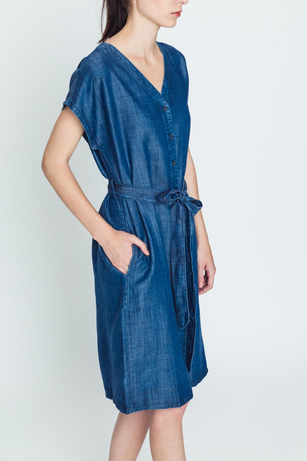 Movint Tencel Buttoned Dress - Side Cropped Image