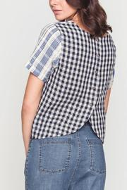 Movint Back Button Detail Top - Side cropped