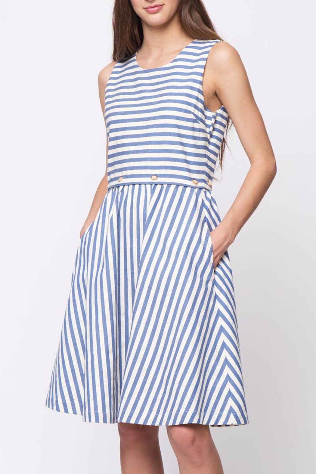 Movint Button Sleeveless Dress - Front Cropped Image