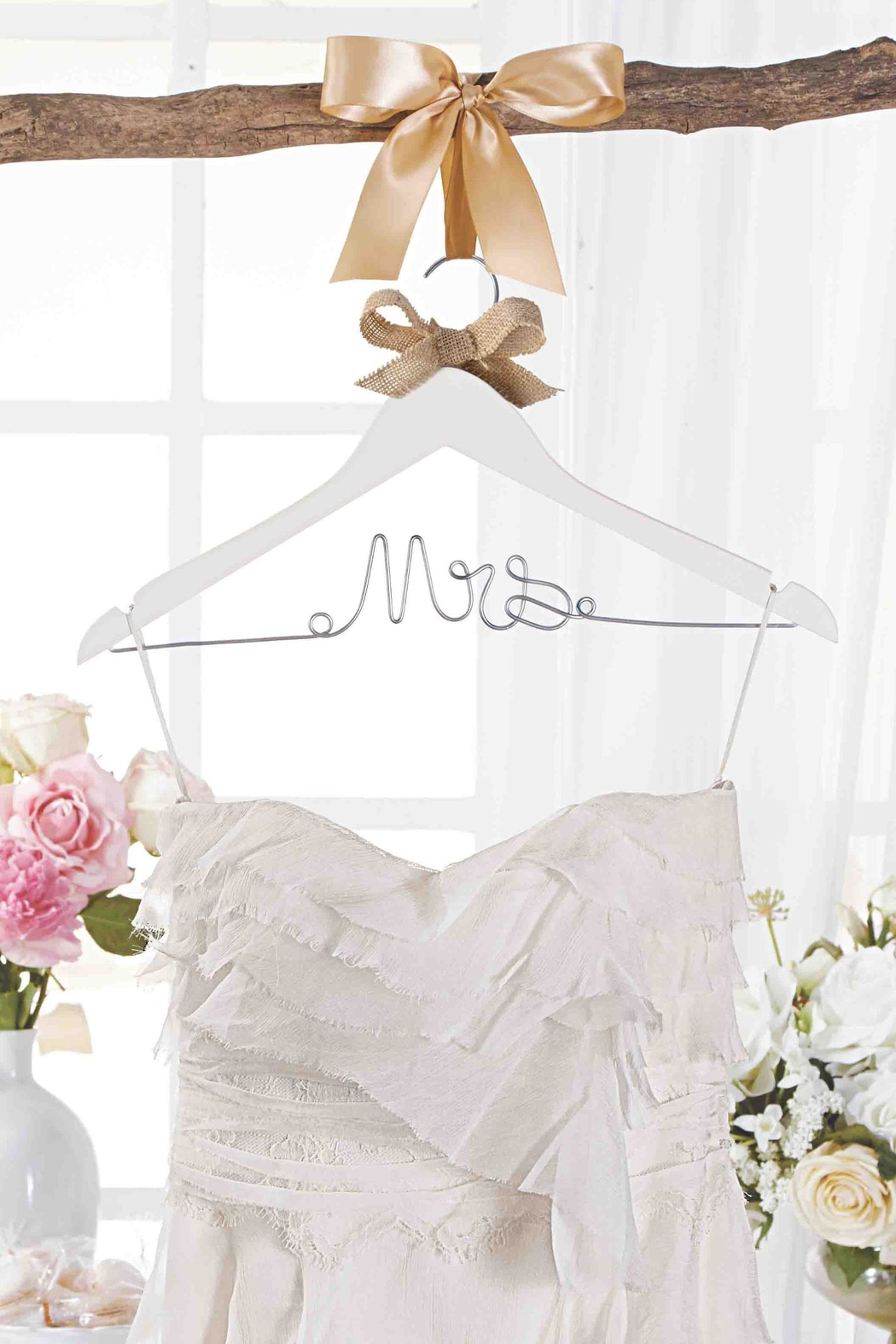 Mud Pie Bridal Hanger - Main Image