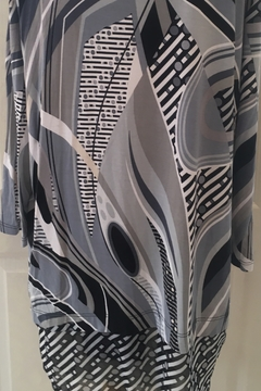 Lynn Ritchie Multi-colored grey and black tunic top. - Alternate List Image