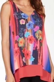 Frank Lyman Multicolored floral tank top - Product Mini Image