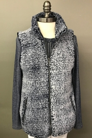 Multiples Sporty Sherpa Vest - Product Mini Image