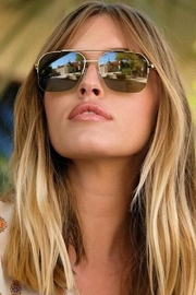 RAEN Munroe Sunglasses - Front cropped