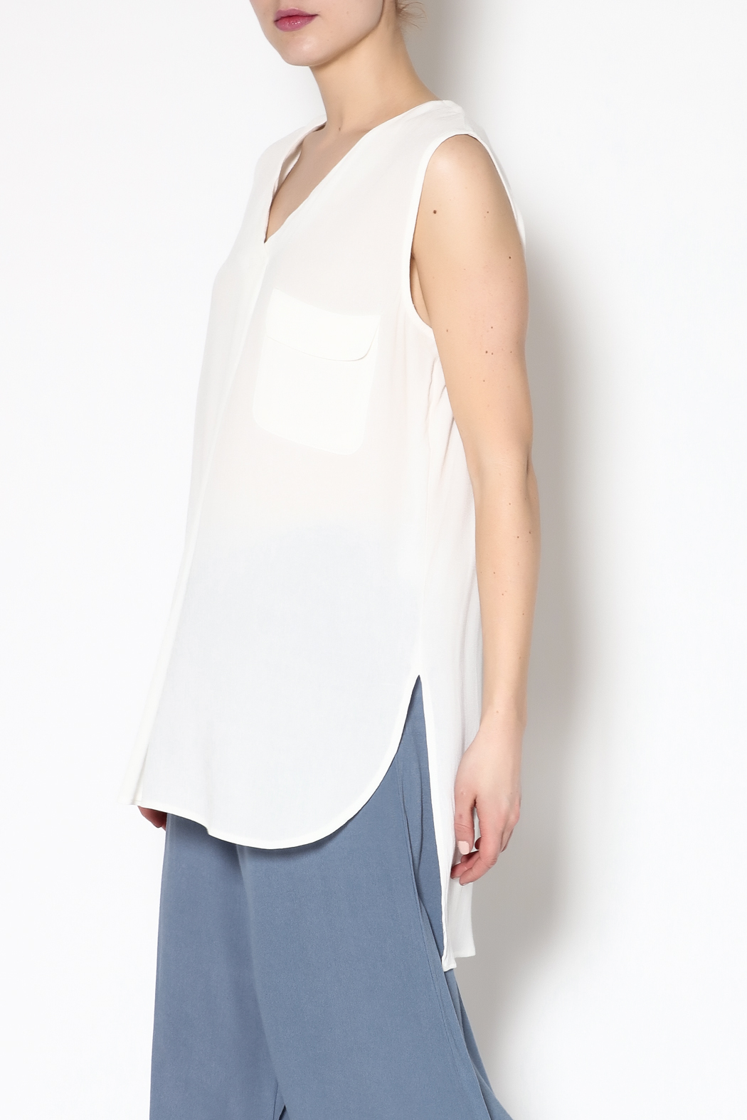 f44f1c64d109 Mustard Seed White Sleeveless Tunic Top from Indiana by Single ...