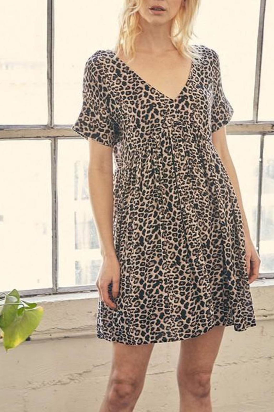 Mustard Seed Leopard Tunic-Dress With-Pockets - Side Cropped Image