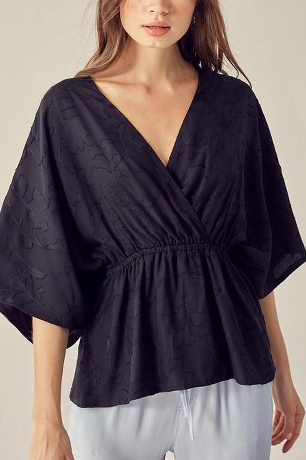 Mustard Seed Textured Floral-Detail Kimono-Top - Side Cropped Image