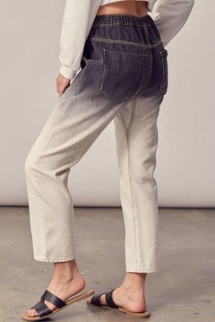 Mustard Seed Woven Ombre Cropped Jeans - Alternate List Image
