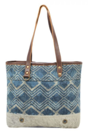 Myra Bag Myra Neville Tote Bag 1577 - Front cropped