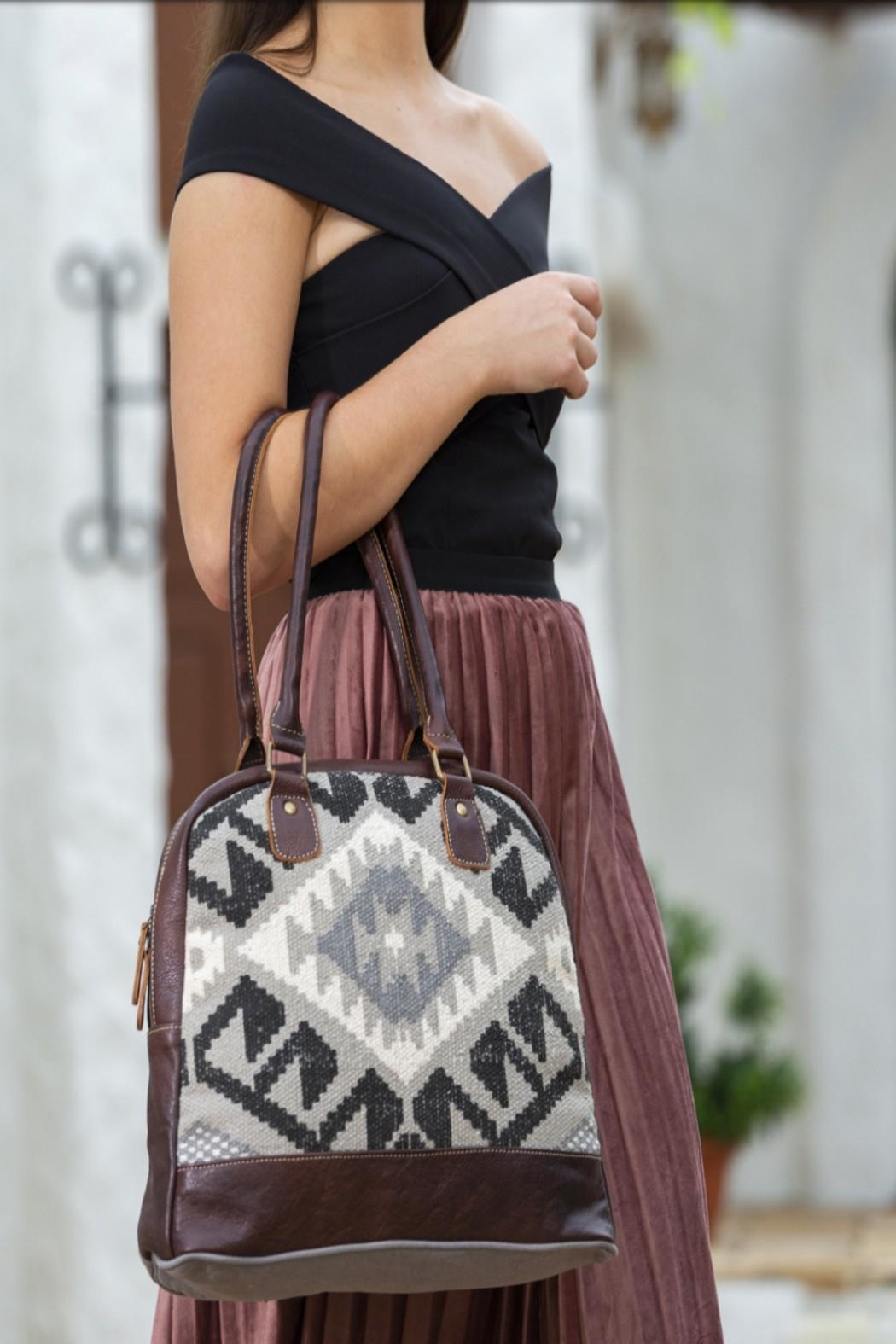 Myra Bags Craggy Small Bag From Kansas By Seirer S Clothing Shoptiques Shop with confidence on ebay! craggy small bag
