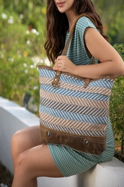 Myra Bags Extravagant Tote Bag - Front cropped