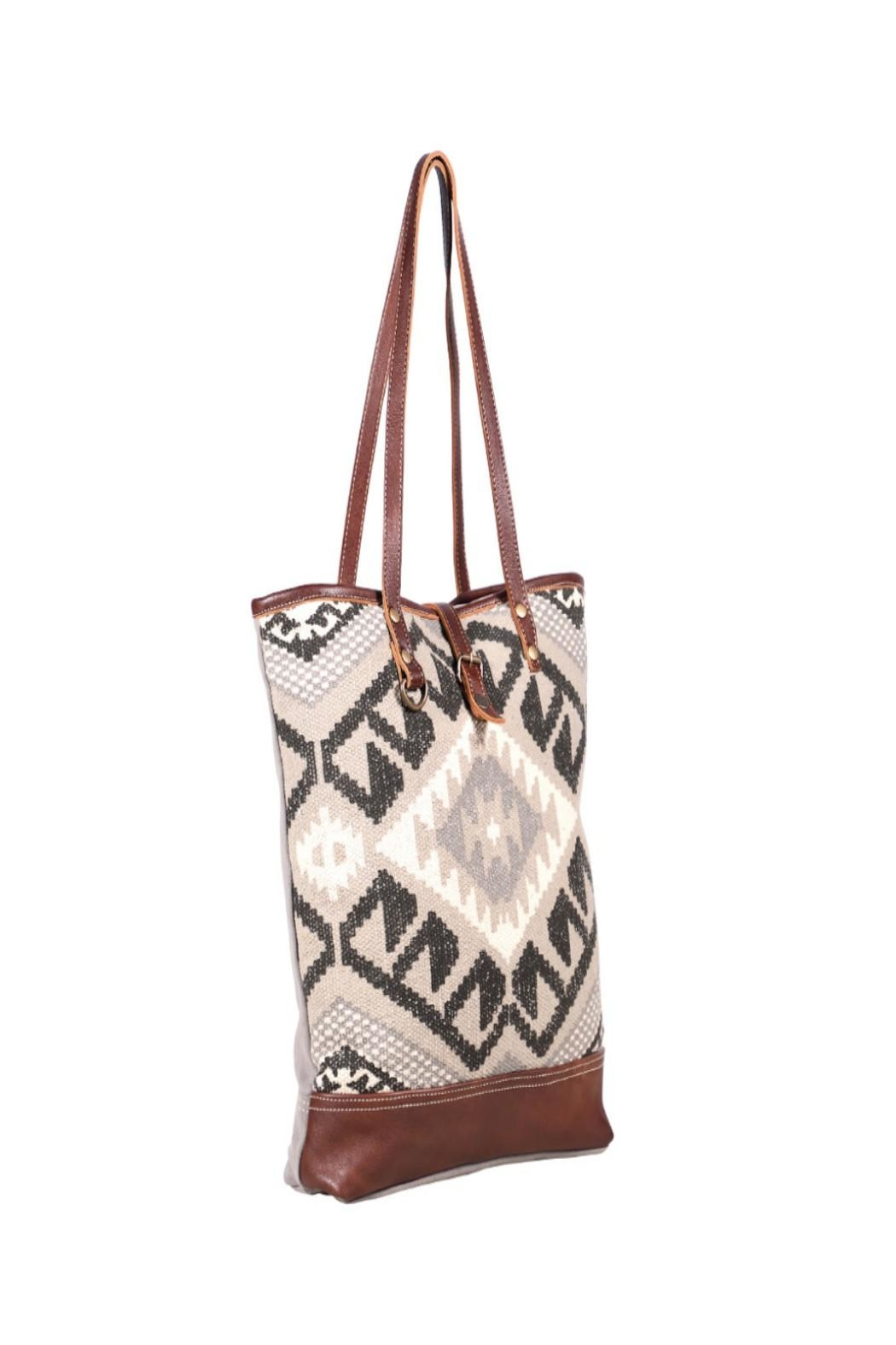 Myra Bags Pure Tote Bag - Side Cropped Image